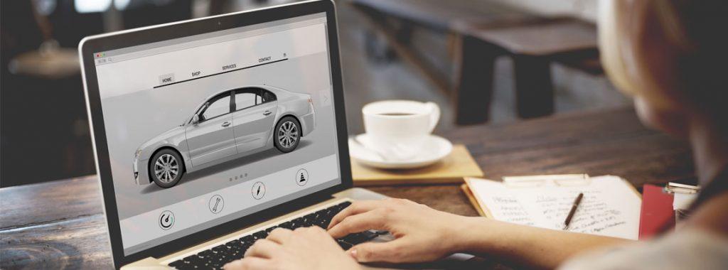 bucando vehículo en Internet